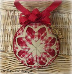 Rustic Christmas Ornament Quilted Ornament por OrnamentBoutique