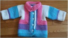 The Baby Surprise Jacket was composed by Elizabeth Zimmermann in 1968 and remains a prevalent child piece of clothing right up 'til today. Baby Cardigan Knitting Pattern Free, Baby Knitting Patterns, Baby Patterns, Knit Baby Sweaters, Knitted Baby Clothes, Baby Knits, Knitting For Kids, Free Knitting, Baby Surprise Jacket