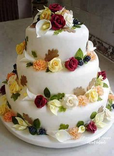 I have been designing and producing high quality wedding and celebration cakes for over 30 years after undergoing an apprenticeship and training in a high class confectionery business. Beautiful Wedding Cakes, Beautiful Cakes, Amazing Cakes, Happy Birthday Wishes Cake, Happy Birthday Cake Images, Birthday Cake Writing, Traditional Wedding Cakes, Cakes Plus, Gift Cake