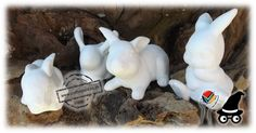 Clay Easter Bunnies. Use them as Decorations provide some watercolor palettes and let your young and not so young guests paint the bunnies. It will keep children occupied for hours and will after painting find a spot in the garden to create a Fairy Garden for Fairy Bunnies. Christmas Fairy Lights, Cone Christmas Trees, Diy Clay, Clay Crafts, Tree Lanterns, Halloween Bride, Candle Cups, Paint Palettes