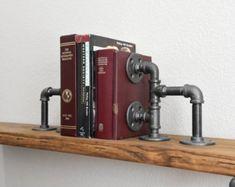 Sujetalibros hierro tubo a minimalista por IronIllumination
