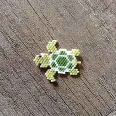 This tutorial will show you step by step how to make this earrings. This is a ve… This tutorial will show you step by step how to make this earrings. This is a ve… – Güncel Pinler – Seed Bead Crafts, Seed Bead Projects, Seed Bead Jewelry, Seed Beads, Pony Bead Patterns, Peyote Stitch Patterns, Beading Patterns, Beading Tutorials, Loom Bands