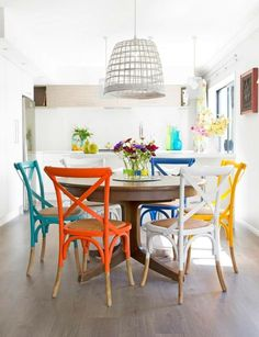 farmhouse dining room 30 cheerfull dining room design ideas can apply on your own 11 Colored Dining Chairs, Dining Room Colors, Dinning Chairs, Kitchen Chairs, Dining Room Design, Kitchen Dining, Kitchen Decor, Sala Grande, Sweet Home