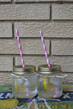 Winter SALE  ---- 12(dozen)- 8oz Small short square Mason jar drink glass SET with Daisy lids, paper straws and sistal ties.  Party in a box. $29.75, via Etsy.