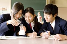 By Francesca F. There are some stark differences between the American education system and those across the water, but have you ever thought about what those differences truly are? The Japanese sch…
