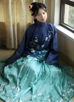 清辉阁/Qinghuige Hanfu (han chinese clothing) collections, part 12. These hanfu are in the style of the Ming Dynasty.