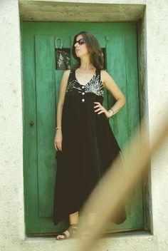 UV007  Tamanho | Size: M/L  Descrição | Description: Vestido seda com várias formas de uso | Silk dress with various forms of use  Composição | Composition: Seda | Silk  Preço | Price: 70€