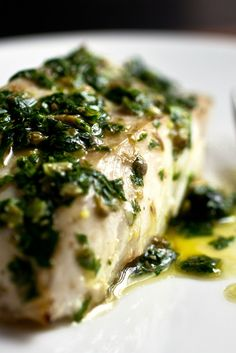This parsley sauce, made with capers and garlic, is a perfect complement to mild-tasting cod You could use other fish, or try the sauce on grilled meat, chicken or vegetables No grill Grilled Sardines, Grilled Fish, Grilled Meat, Healthy Grilling, Healthy Dinners, Green Tomato Salsa, Salsa Verde Recipe, Red Lentil Soup, My Favorite Food