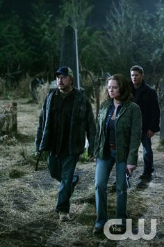 """""""All Hell Breaks Loose, Part Two"""" -- (L-R) Jim Beaver as Bobby Singer,  Samantha Ferris as Ellen Harvelle and Jensen Ackles as stars Dean stars in SUPERNATURAL on The CW. Photo  Michael Courtney/The CW  � 2007 The CW Network, LLC.  All Rights Reserved pn"""
