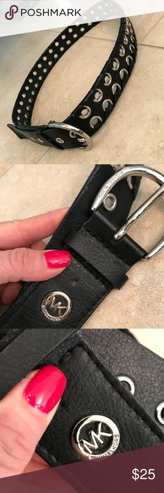 MK Micheal Kors leather black belt MK Micheal Kors leather black belt- like new condition and only worn maybe once or twice . Size is Xl and is authentic : genuine leather ! Bundle 3 and save! Super stylish belt KORS Michael Kors Accessories Belts