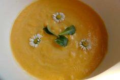 Jak připravit krémovou batátovou polévku Thai Red Curry, Cantaloupe, Mango, Fruit, Ethnic Recipes, Food, The Fruit, Meals, Yemek