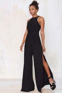Nasty Gal Side View Palazzo Jumpsuit Slits up to there-- that's how Nasty Gals do jumpsuits. Jumpsuit Prom Dress, Palazzo Jumpsuit, Jumpsuit Dressy, Black Jumpsuit, Short Jumpsuit, 40s Fashion, Look Fashion, Womens Fashion, Latest Fashion