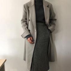 Pin by rose on jupe in 2020 Minimal Outfit, Minimal Fashion, Work Fashion, Modest Fashion, Hijab Fashion, Korean Fashion, Trendy Fashion, Fashion Outfits, Fashion Design