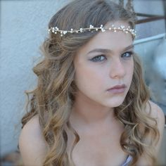 Gold woven pearl hair vine by Renee Pawele Bride, bridal hair accessory #bohemian #fairy #evamurphy