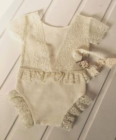 Cod Lace Romper baby by on Etsy Baby Dress Tutorials, Baby Couture, Lace Romper, Baby Outfits Newborn, Baby Sewing, Kids Outfits, Kids Fashion, Rompers, Babies