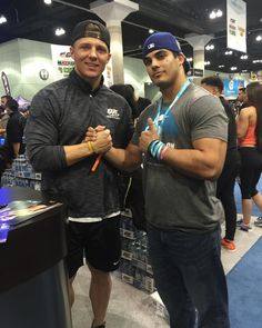 Taking it back to last Sunday when I met Steve Cook at the LA Fit Expo. For those that don't know Steve Cook is one of the biggest names in the fitness industry. I waited 2 hours in line just to meet Steve! I've always watched his training videos and lifestyle vlogs on his YouTube channel and I'm glad to say he's made a big impact on my life. I can't wait to see the new content and see you take it up a notch with the Swoldier Nation videos Steve! He's my idol and my biggest fitness…