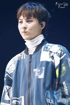 G-Dragon looks adorable