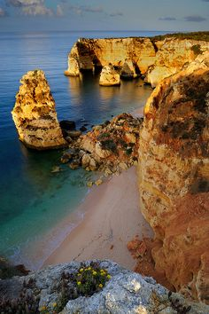 Algarve Portugal i miss it! Portugal Trip, Portugal Travel, Spain And Portugal, Spain Travel, Vacation List, Vacation Destinations, Best Beaches In Europe, Waves On The Beach, Round The World Trip