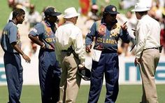 Ranatunga takes his players off after Murali is called for the zillionth time. Australia '98.