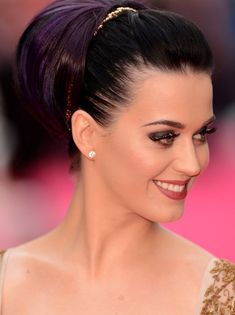 Katy Perry Trendy Updo Hairstyles for Long Hair