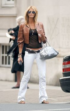 Elle Macpherson media gallery on Coolspotters. See photos, videos, and links of Elle Macpherson. Elle Macpherson, Style Casual, Casual Looks, Style Me, Casual Outfits, Estilo Fashion, Look Fashion, Fashion Outfits, Womens Fashion