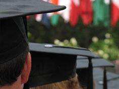 Os 10 cursos com as piores perspectivas de carreira nos EUA: Adm, Psico e Educação são um deles