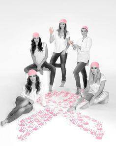 Malú en una campaña de la lucha contra el cáncer de mama