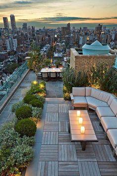 O terasa pe acoperis. Ce mod mai frumos de a te bucura de aer liber si o priveliste de milioane?