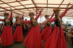 Ujgurok és a magyarok, TestVérNép! | Szkíta-Hun-Magyar a MAG NÉPe! Prom Dresses, Formal Dresses, Halle, Islam, News, Photos, Fashion, Pictures, Moda
