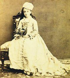 1879, Istanbul, Nazime Sultan, daughter of Sultan Abdülaziz and his second wife, Hayranıdil Kadın Efendi, by Vasilaki Kargopoulo.
