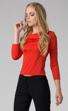 Blusa drapeada roja