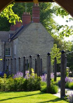 Garden Designers based in Oxfordshire: Nicholsons Garden and Landscape designs