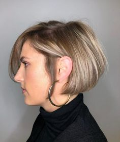 Go in a different direction from the usual way of wearing a balayage. Show off a marvelous color blend with these trendy balayage on straight hair looks! Balayage Straight Hair, Blonde Balayage Highlights, Caramel Balayage, Brown Balayage, Balayage Hair, Straight Hairstyles, Cool Hairstyles, Hairstyle Ideas, Punky Color