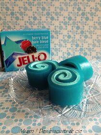 Miam ! Des biscuits: Rouleau de Jell-O a essayé pour la fete a oli version rose ;) Jell O, Jello Recipes, Dessert Recipes, Blue Jello, Homemade Candies, Thanksgiving Appetizers, Jello Shots, School Snacks, School Lunch