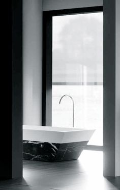 Codis | 'Chic' tub in Corian and marble