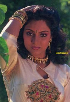 Madhavi 80s Actresses, Female Actresses, Indian Actresses, Beautiful Bollywood Actress, Most Beautiful Indian Actress, Beautiful Actresses, Vintage Bollywood, Indian Actress Hot Pics, South Indian Actress