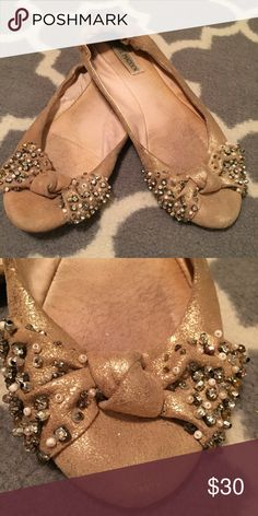 🎀💝V-Day Special!💝🎀Steve Madden Rose Gold Flats Steve Madden Rose Gold Flats with bows. Scrunched back. Ballet inspired! Steve Madden Shoes Flats & Loafers