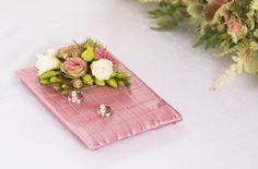 Flower wedding rings holder