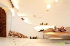 Bio Haus Interieur Design in Mumbai, Indien Mumbai, White Room Decor, White Rooms, Apartment Interior Design, Home Interior, Stone Age Houses, Taj Mahal, Futuristisches Design, Design Ideas