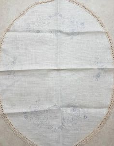 Stamped Embroidered Tablerunner with flowers on white linen. Size: x cm x cm Cross Stitch Embroidery, Quilt Blocks, Stamp, Quilts, Flowers, Comforters, Stamps, Patch Quilt, Kilts