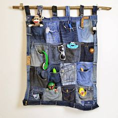Sabe aquela calça jeans que de tão velhinha já não consegue nem colocá-la para doação? Olha aí, o que você pode fazer!!!