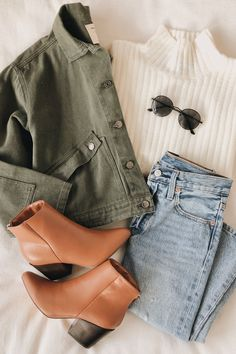 The Caraway Olive Green Denim Utility Jacket is the perfect finishing touch to any outfit! Collared denim jacked with boxy fit and utilitarian-inspired design. Fashion Mode, Look Fashion, Street Fashion, Modern Fashion Outfits, Curvy Fashion, Modest Fashion, Fashion Styles, Fashion Fashion, Retro Fashion