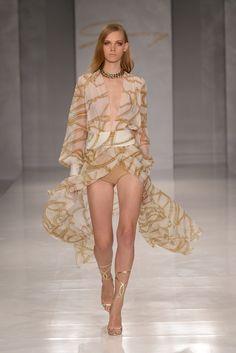 Sfilata Genny Milano - Collezioni Primavera Estate 2014 - Vogue