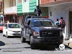 https://flic.kr/p/SZxxxB   La policía municipal recorre colonias de Acapulco. INFO ACAPULCO 3   #infoacapulco La policía municipal recorre colonias de Acapulco. INFO ACAPULCO. La policía municipal de Acapulco, ha estado realizando diferentes recorridos tanto a pie como en patrulla por las colonias del Puerto, esto con el fin de mantener la seguridad de los habitantes y para atender sus llamadas que reportan incidentes. Obtén más información en la página oficial de Fidetur Acapulco.