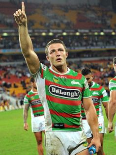 Sam Burgess Photos - Sam Burgess of the Rabbitohs celebrates victory after the round eight NRL match between the Brisbane Broncos and the South Sydney Rabbitohs at Suncorp Stadium on May 2013 in Brisbane, Australia. - Broncos v Rabbitohs Hot Rugby Players, Football Players, Rugby Cup, Sam Burgess, Rugby League World Cup, National Rugby League, Brisbane Broncos, Tom Hardy Hot, Super Rugby