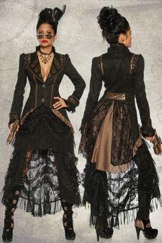 Ein wahres Steampunk Fashion-Kunstwerk - nicht nur für Fans ein absolutes Muss! Der in schwarz/braun gehaltende Mantel mit geprägtem Muster und asymetrischem Schnitt ist genau im Stil...