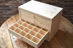 Outside Furniture, Diy Furniture, Furniture Design, Diy Wood Projects, Wood Crafts, Woodworking Projects, X 23, Bois Diy, Drawer Design