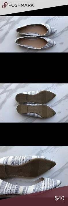 Never worn GAP blue and white flats size 7 Never worn! Blue and white flats size 7 GAP Shoes Flats & Loafers