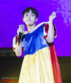 G Dragon as Snow White. Which is kinda funny because we all know that there is NOTHING about him that is Snow White! Daesung, Vip Bigbang, G Dragon Cute, G Dragon Top, Big Bang Kpop, Bigbang G Dragon, Ideal Man, Choi Seung Hyun, Fantastic Baby