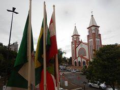 Catedral de Santo Antônio em Chapecó. A Catedral de Santo Antônio é conhecida como Igreja Matriz de Chapecó.